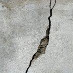 Auftreten eines Risses nach einem Erdbeben: Wie reagieren?